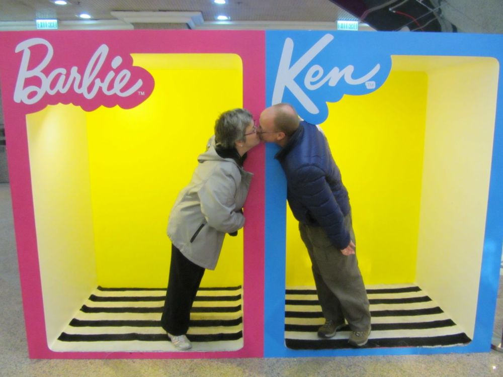 Ken and Barbie (6/6)