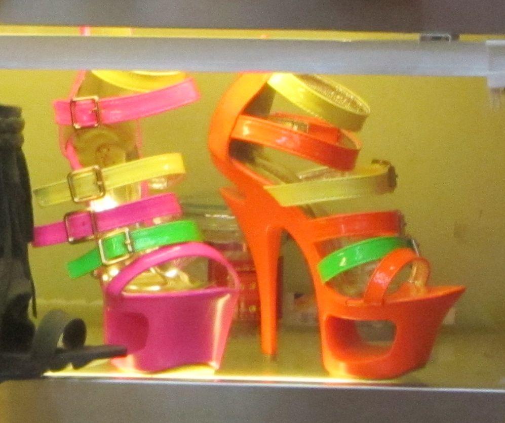 Guangzhou Super Shoe Market (1/6)